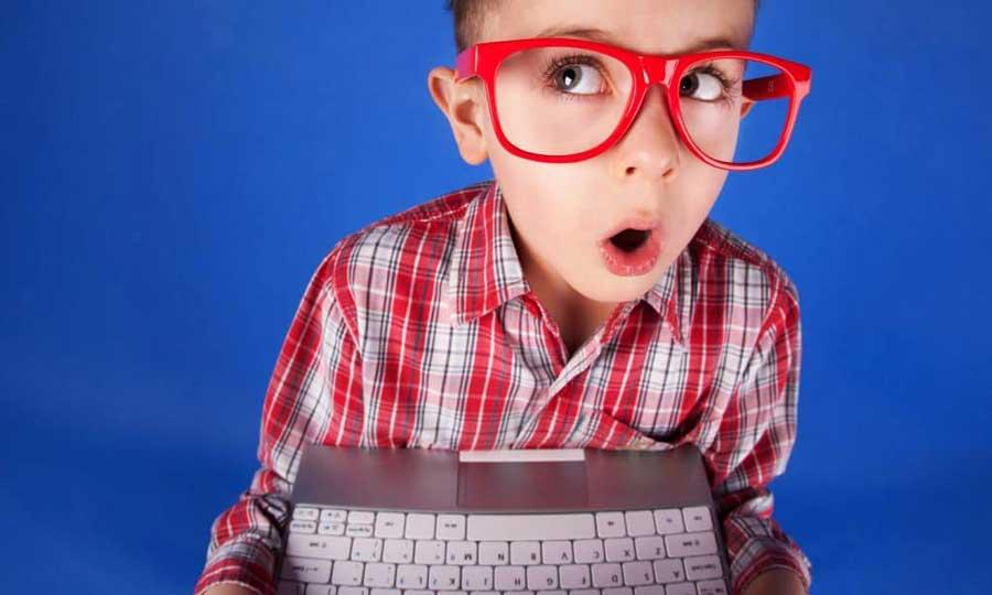 Affaticamento visivo digitale: come riconoscerlo e limitare i rischi