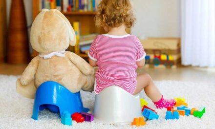 I consigli del pediatra per dire addio al pannolino