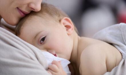 Coronavirus: specialisti e aziende rispondono ai dubbi sull'allattamento