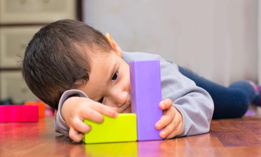 Autismo infantile: modalità di esordio e diagnosi precoce