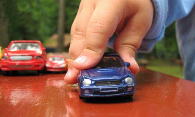 Attenzione ai comportamenti alla guida: i bambini imparano dai genitori