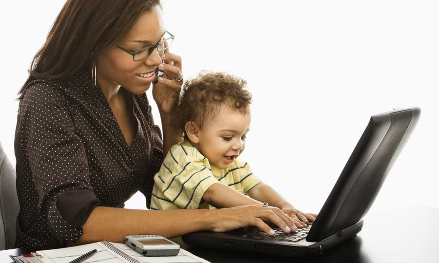 Sostegni per smart working, congedo parentale e bonus baby sitter