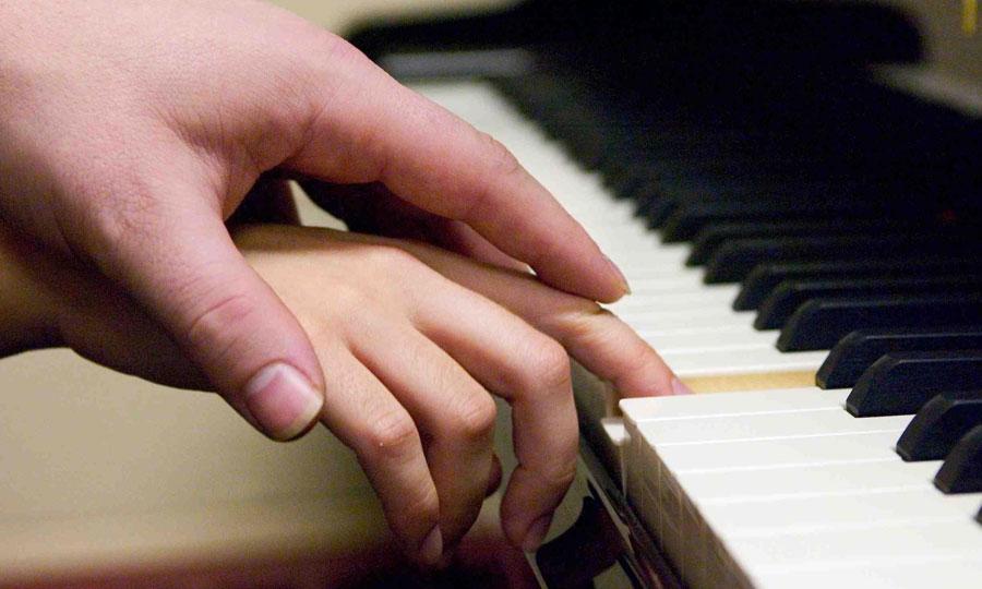 La musica per ricostruire o migliorare il rapporto madre-bimbo