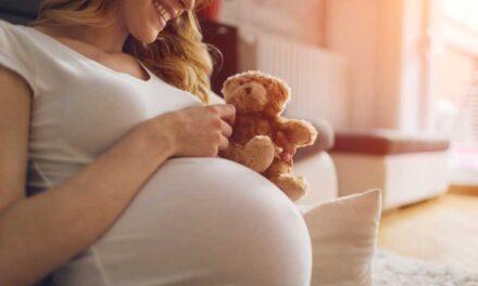 I benefici dell'attività in acqua per i neonati