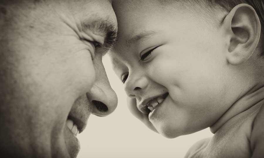 Divenire padre: gioie e dolori della paternità